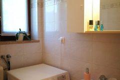 Bad mit Dusche 1